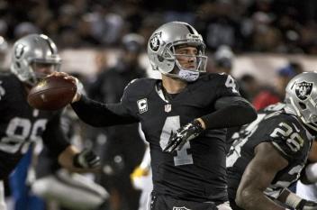 Oakland-Raiders-Derek-Carr-pushing-limits-in-preseason