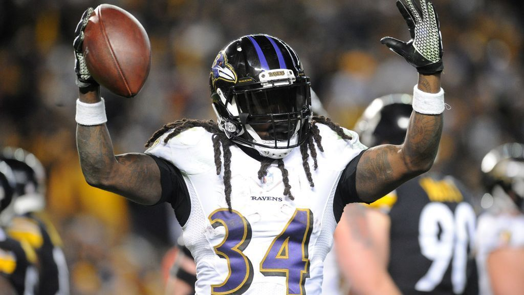 RB Alex Collins