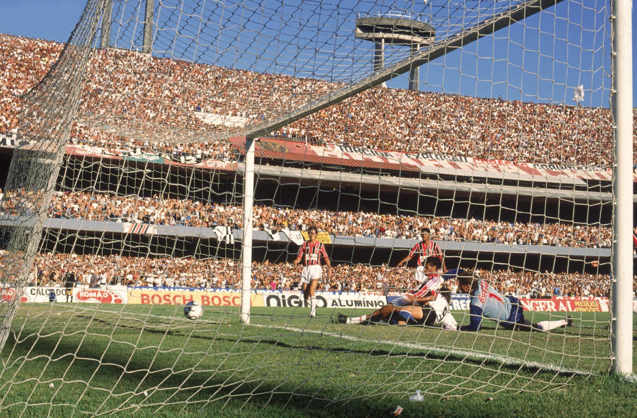 Gol-de-Tupazinho-1990-Foto-Divulgação-colorida